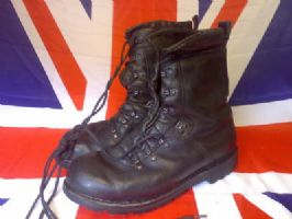 GENUINE GERMAN ARMY PARA BOOTS MK 4    EX ARMY MILITARY